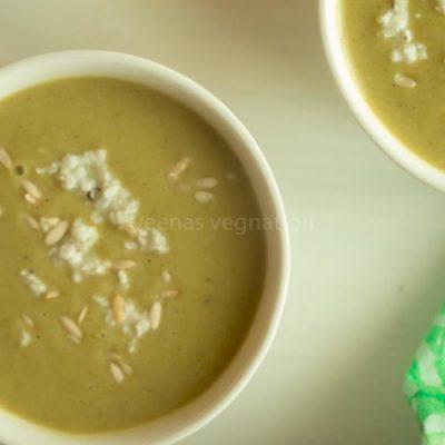 broccoli spinach coconut soup