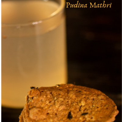 baked bajra pudina mathri